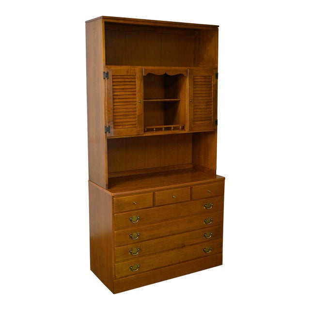 Ethan Allen Custom Room Plan Maple Hutch Top Chest of Drawers For Sale