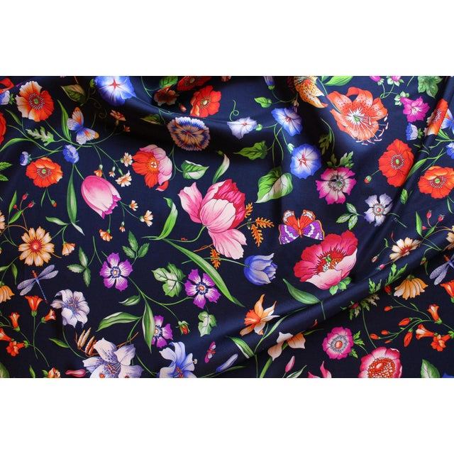 2010s Gucci Navy Floral Silk Fabric For Sale - Image 5 of 13