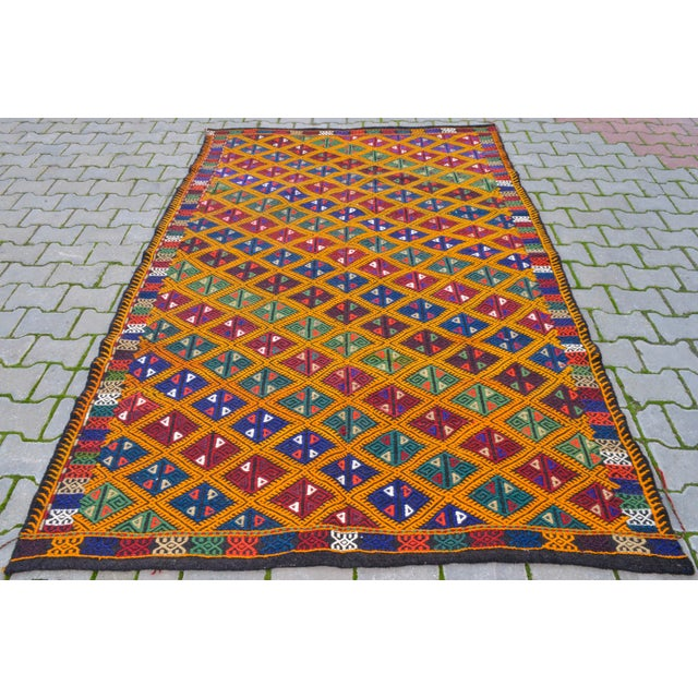 1970s Handwoven Turkish Kilim Rug. Traditional Oushak Area Rug Braided Kilim - 5′6″ X 8′6″ For Sale - Image 5 of 10