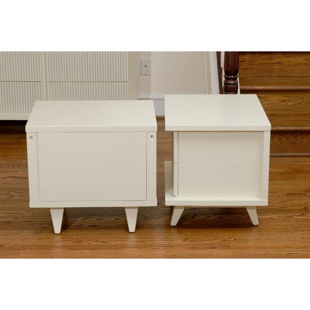 American of Martinsville Stunning End Tables or Night Stands by American of Martinsville For Sale - Image 4 of 11