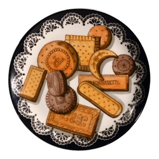 Piero Fornasetti Biscotti Pattern Porcelain Plate, With Trompe l'Oeil Cookies, #4. For Sale