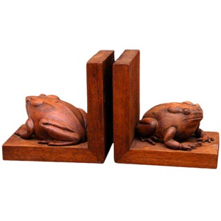 Frogs Bookends Hand Carved in Mahogany - a Pair For Sale