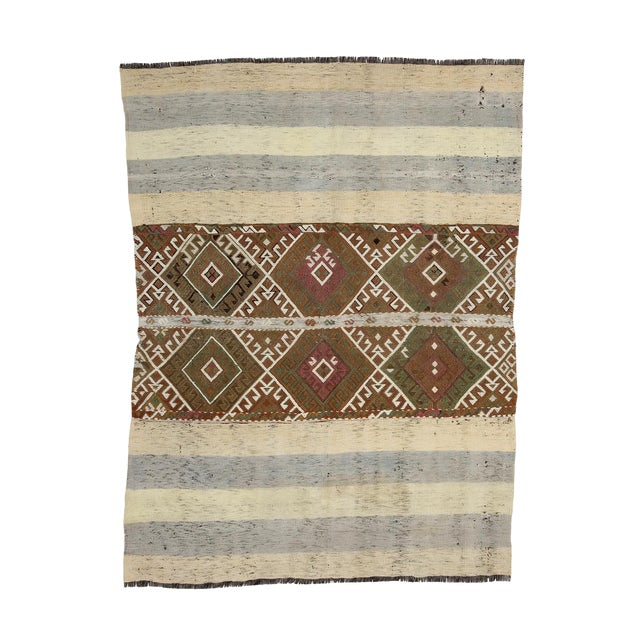 Mid 20th Century Vintage Small Kilim Rug-4′3″ × 5′9″ For Sale