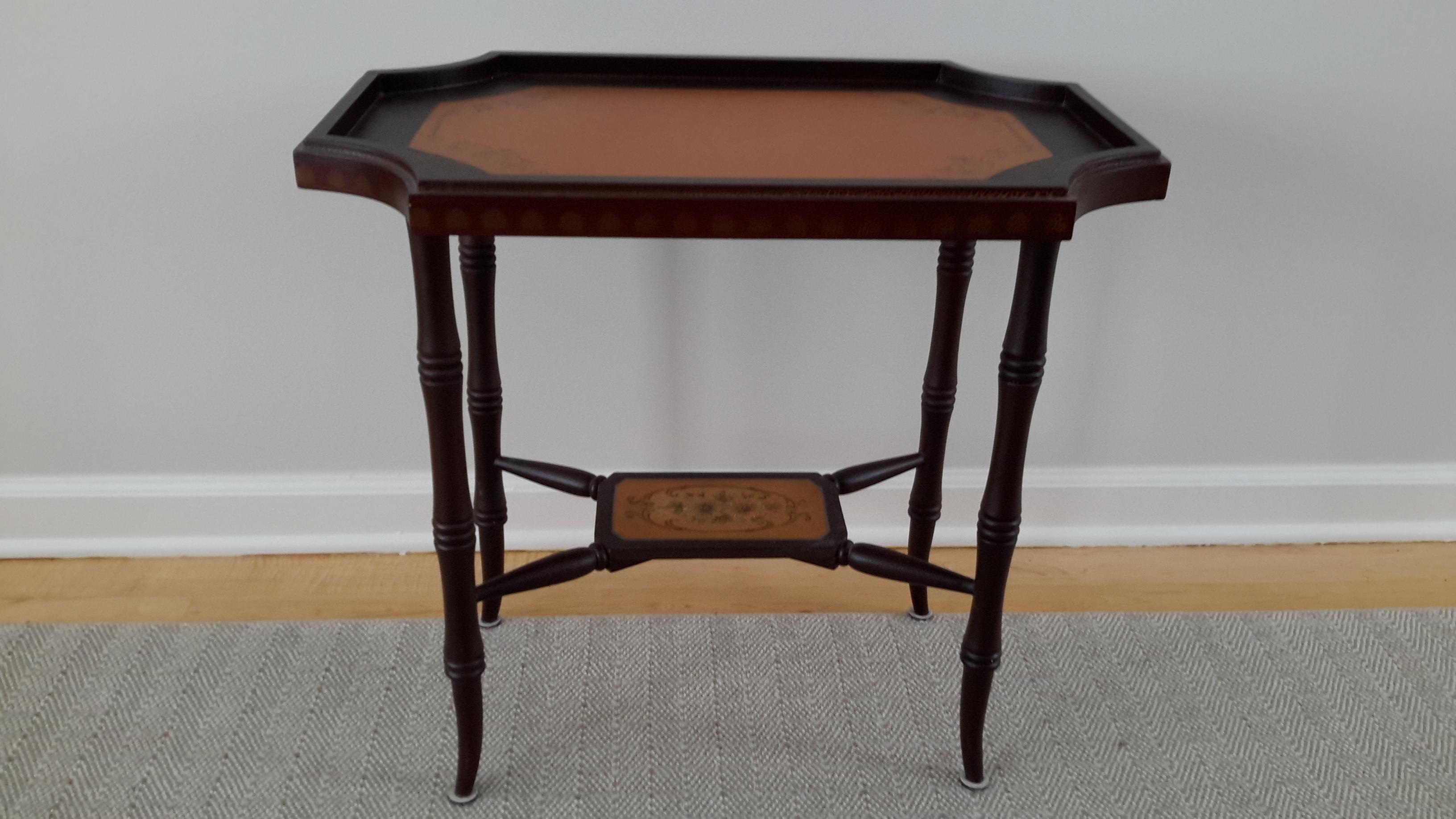 Traditional Tray Table By British Traditions For Sale   Image 3 Of 6