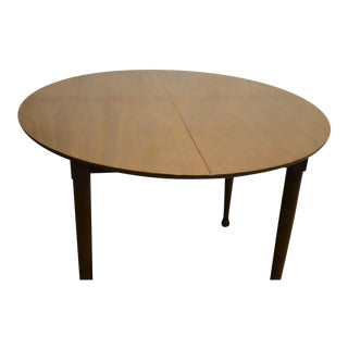 Walnut Mid Century Modern Round Dining Table For Sale