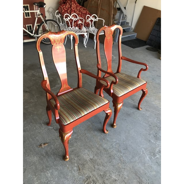 -Wonderful set of 8 Queen Anne red cinnabar lacquer dining chairs with urn shaped splats and cabriole legs - Set adorned...