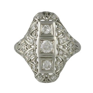 Edwardian Platinum and Diamond Filigree Ring For Sale