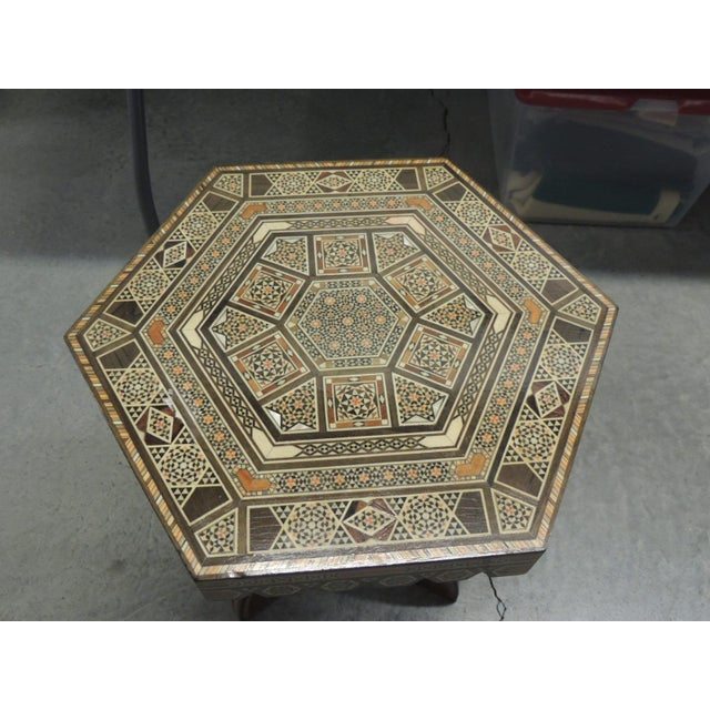 Vintage Inlaid Egyptian side table with tripod base - Image 5 of 5