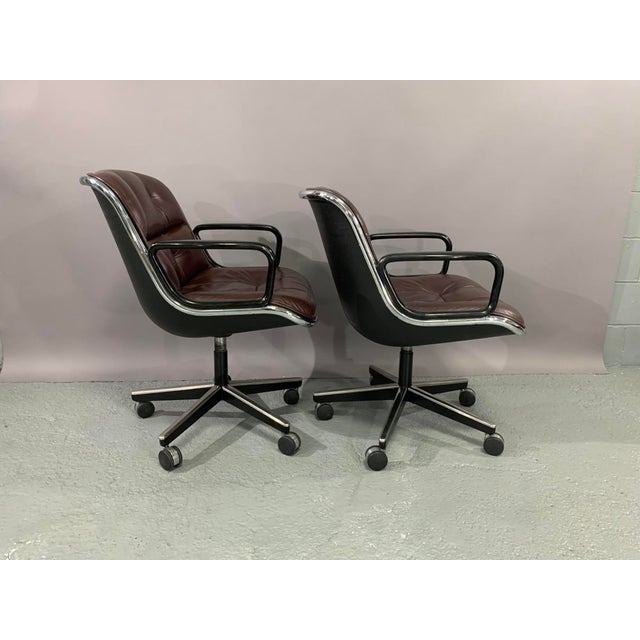 Leather 1960s Vintage Charles Pollock for Knoll International Leather Executive Chairs- A Pair For Sale - Image 7 of 13