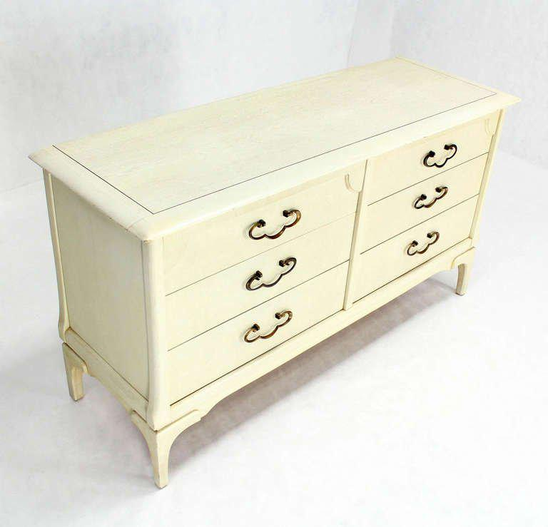 Superior White Lacquer Mid Century Modern Dresser With Ornate Drawer