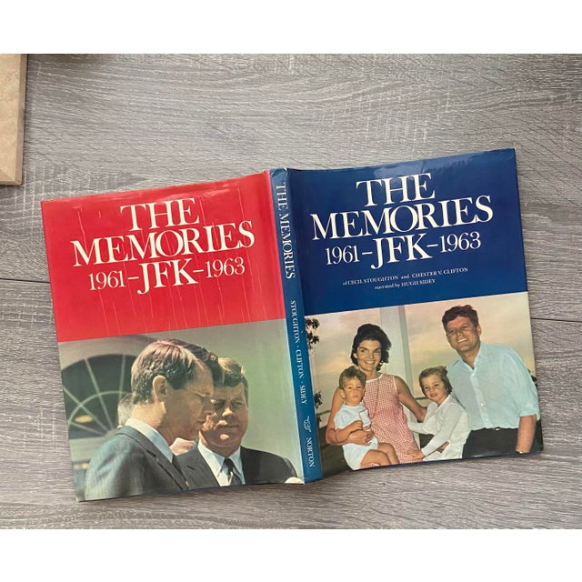 """Mid-Century Modern Vintage 1973 """"The Memories: Jfk, 1961-1963"""" 1st Edition Hardcover Book For Sale - Image 3 of 13"""