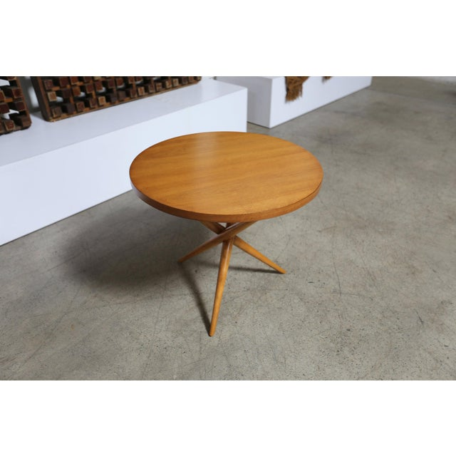 Mid-century modern walnut Table by T.H. Robsjohn-Gibbings for Widdicomb. Made in the mid 20th century