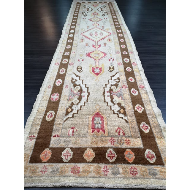 2010s Turkish Contemporary Hand-Knotted Oushak Runner Rug For Sale - Image 5 of 10