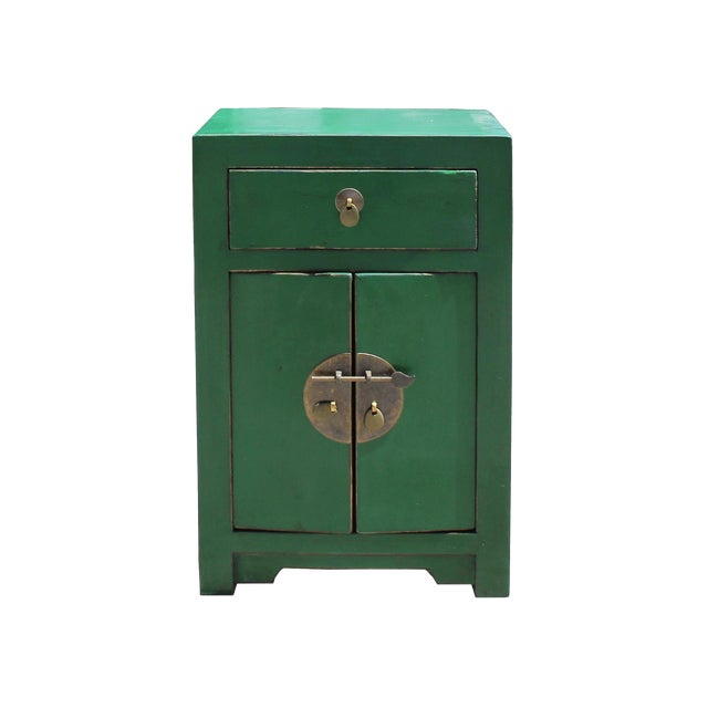 Chinese Oriental Distressed Green Lacquer Side End Table Nightstand For Sale