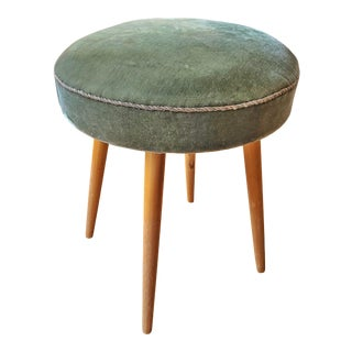 Vintage Walter Knoll Pouf in Its Original Green Mohair (Late 1950s) For Sale