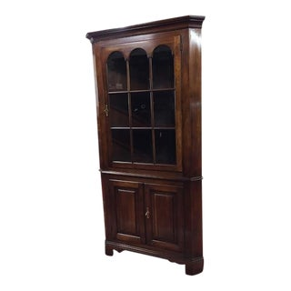 1970s Traditional Statton Cherry Corner Cabinet For Sale