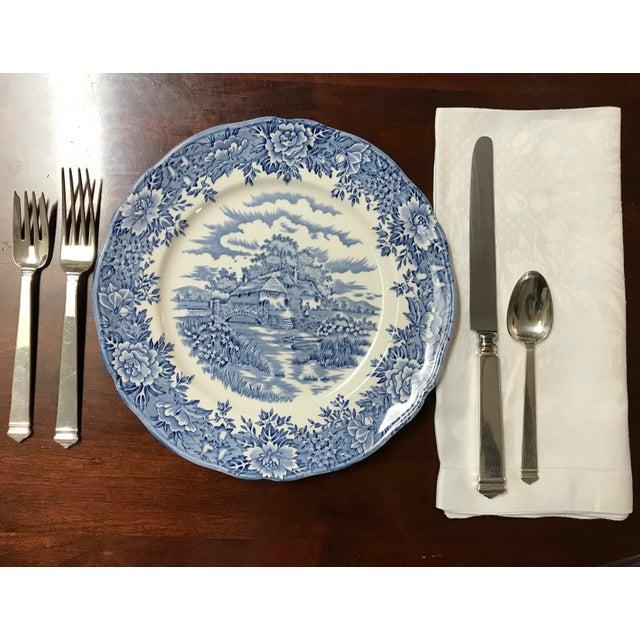 Set of 11 White Linen Damask Dinner Napkins For Sale In New York - Image 6 of 7