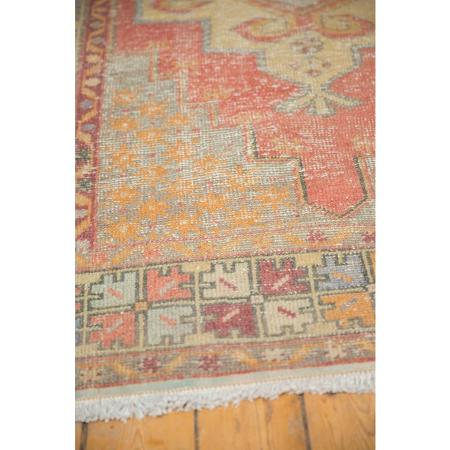 "Vintage Distressed Oushak Rug - 4'7"" x 8'4"" For Sale - Image 10 of 11"