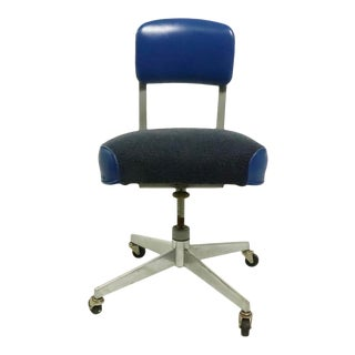 Mid Century Industrial Swivel Desk Office Chair by Steelcase For Sale