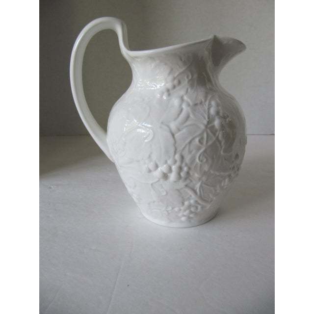 1980s Wedgewood Strawberry & Vine Pitcher For Sale - Image 5 of 5