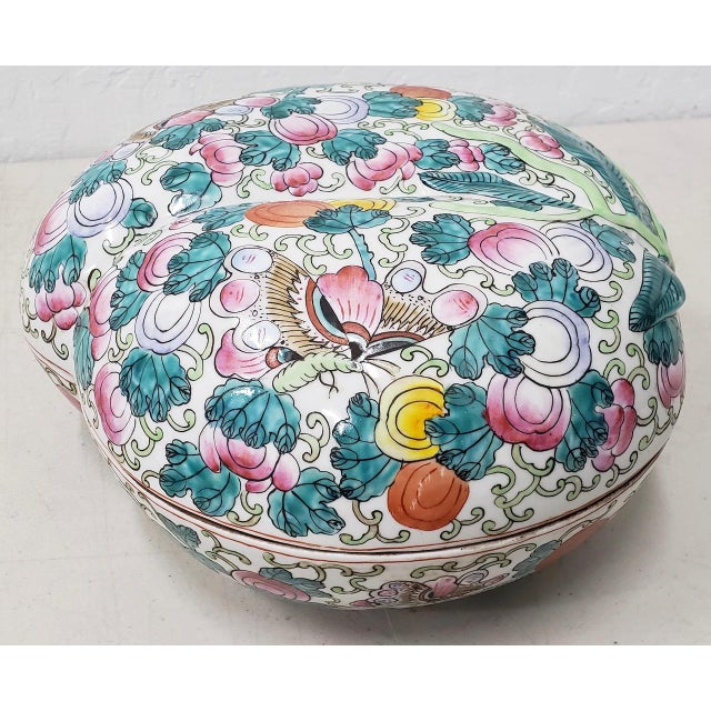 Mid 20th Century Chinese Porcelain Container With Lid For Sale - Image 9 of 10