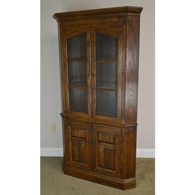 Jacobean Ethan Allen Royal Charter Oak Corner Cabinet For Sale - Image 3 of 13