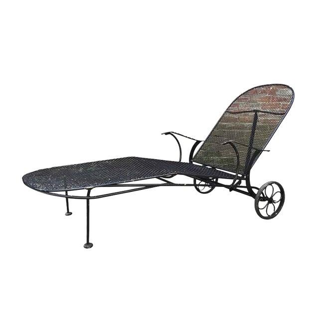 Mid-Century Woodard 'Sculptura' Iron Mesh Outdoor/Patio Chaise Lounge For Sale