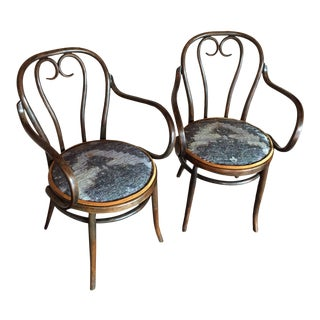 Early 20th Century Vintage Thonet-Styled Heart-Shaped Bentwood Armchairs - a Pair For Sale
