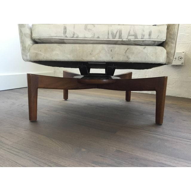 Mid Century Modern Jens Risom Club Lounge Chairs - a Pair For Sale - Image 11 of 13