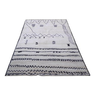 """21st Century Pasargad Ny Moroccan Hand-Knotted Rug - 6′2"""" × 9′ For Sale"""