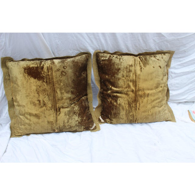 English Traditional English Country Crushed Velvet Down Pillows - a Pair For Sale - Image 3 of 7