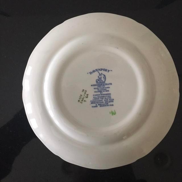 English Traditional Wedgwood & Co Ltd Vintage Salad Plate For Sale - Image 3 of 3