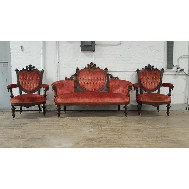 Antique Eastlake Heart-Back Red Velvet Settee & Chairs- Set of 3 - Image - Antique Eastlake Heart-Back Red Velvet Settee & Chairs- Set Of 3