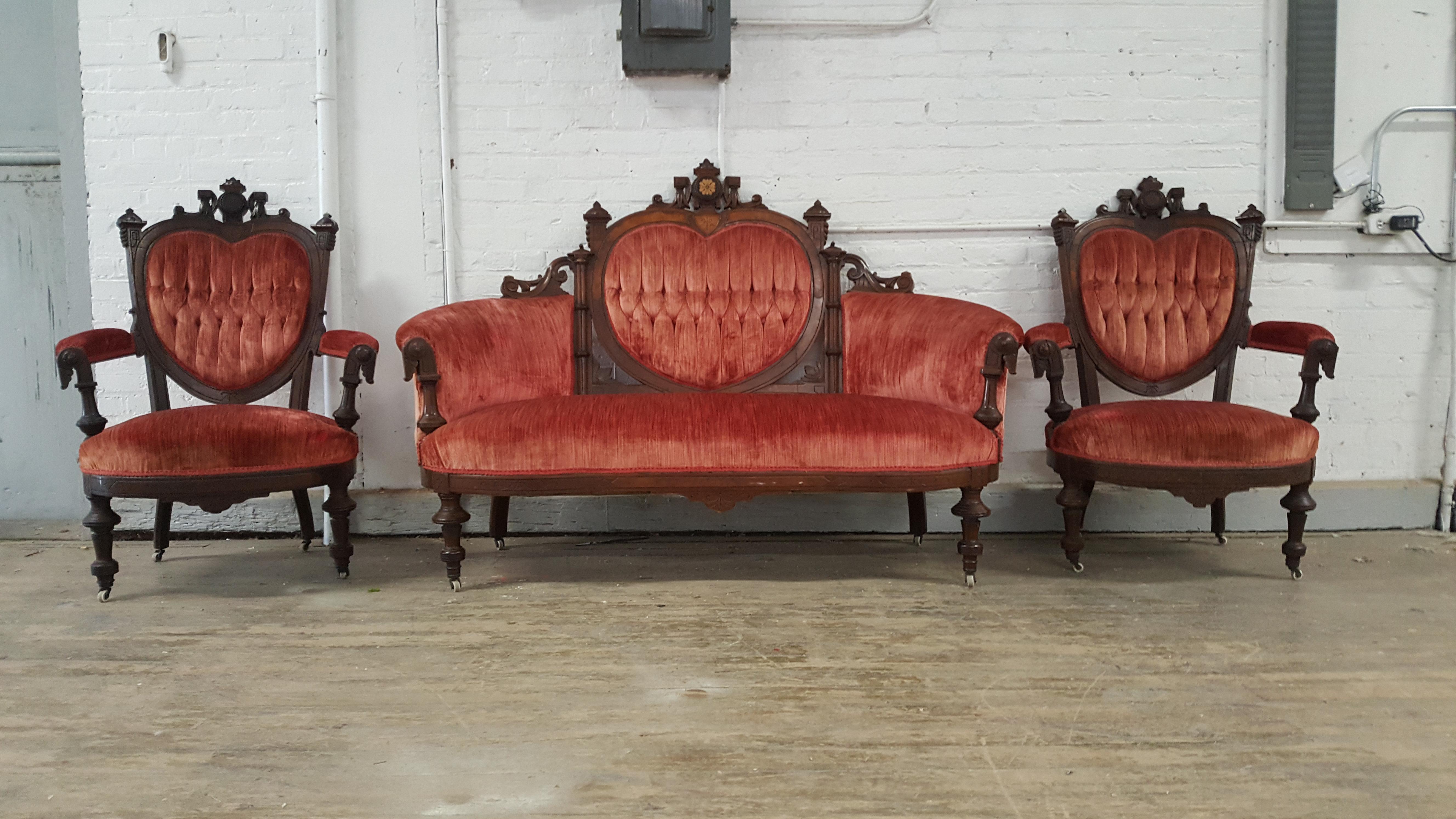 Delicieux Antique Eastlake Heart Back Red Velvet Settee U0026 Chairs  Set Of 3   Image