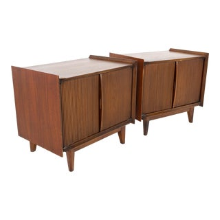 Mid Century Modern Lane First Edition Nightstands - a Pair For Sale