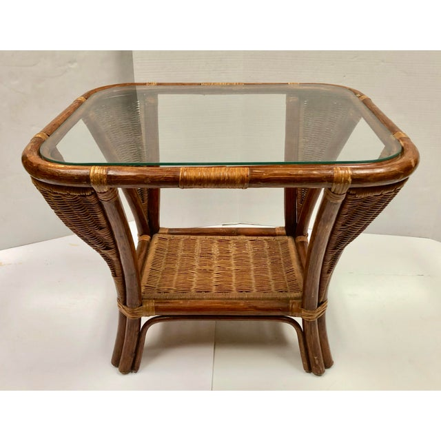 Mid-Century Modern 1940s Rattan and Wicker Side Table For Sale - Image 3 of 12
