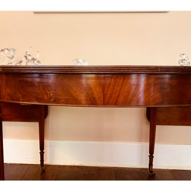 Solid Mahogany Hunt Table in the Federal Regency Style For Sale In Baton Rouge - Image 6 of 9