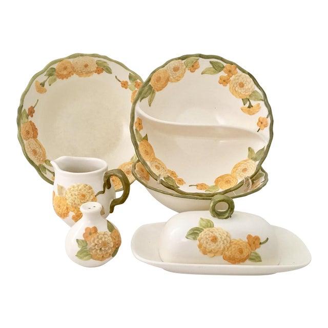 "1960s Ceramic Metlox ""Zinnia"" Dinnerware - Set of 7 For Sale"