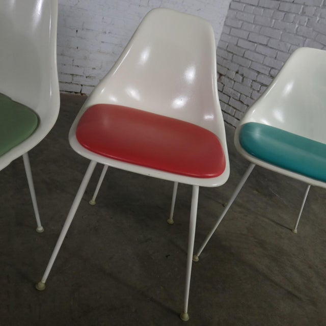 Burke Fiberglass #103 Shell Chairs With Padded Seats Set of 5 Mid Century Modern For Sale - Image 6 of 13
