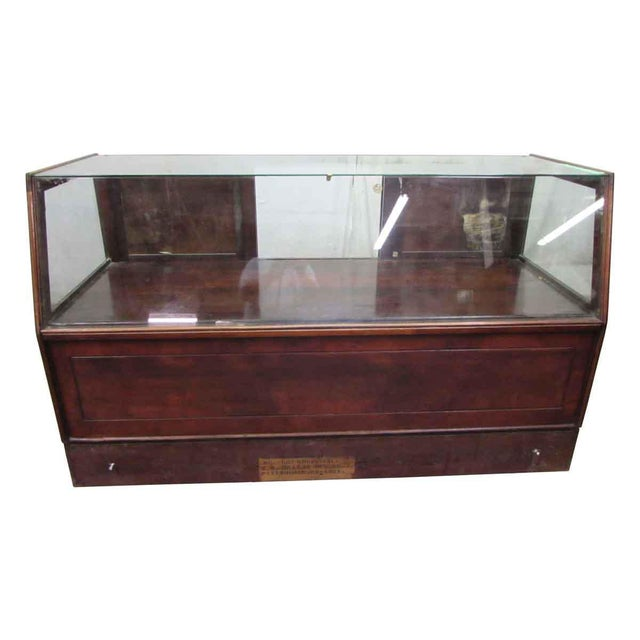 Traditional MC Lean Mfg. Co. Display Case c. 1921 For Sale - Image 3 of 8