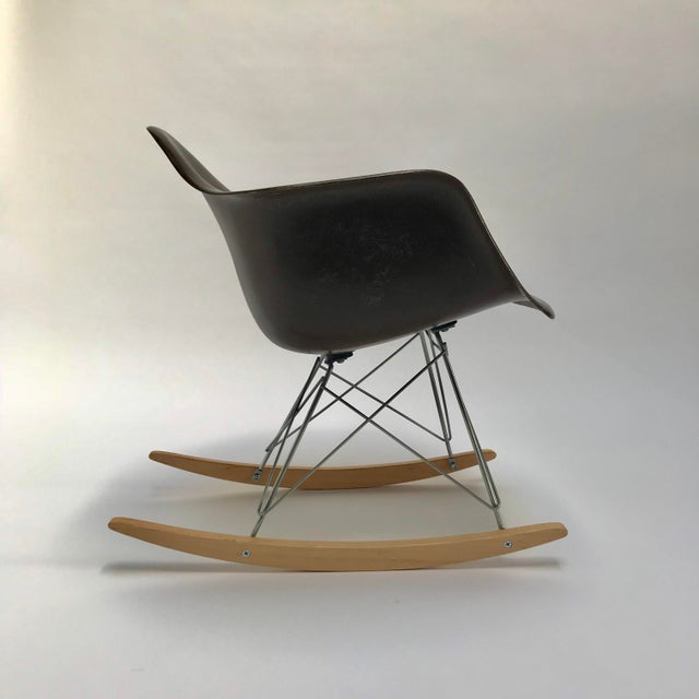 Mid-Century Modern Vintage Eames Rocking Chair For Sale - Image 3 of 11
