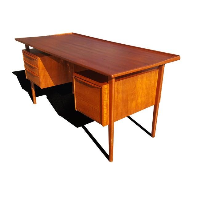 Hedensted Møbelfabrik Danish Mid-Century Modern President Desk by Peter Lovig Nielsen For Sale - Image 4 of 10