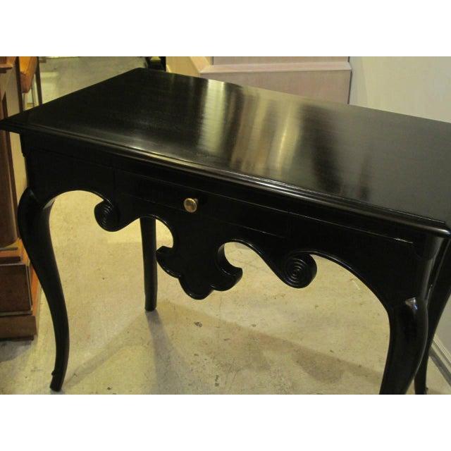 Hollywood Regency Whimsical Hollywood Regency Ebonized Table on Splayed Legs For Sale - Image 3 of 5