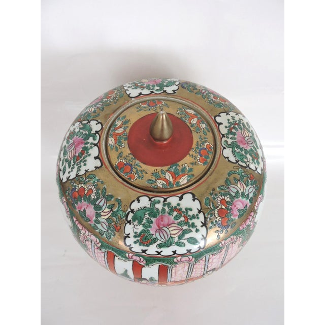 Metal Antique 'Chinese Opera' Rose Mandarin Lidded Porcelain Ginger Jar With Gilt Finial For Sale - Image 7 of 11