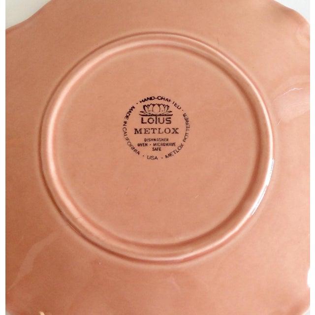 Pink Hued Metlox Lotus Dinner Plates - Set of 4 For Sale In San Francisco - Image 6 of 6