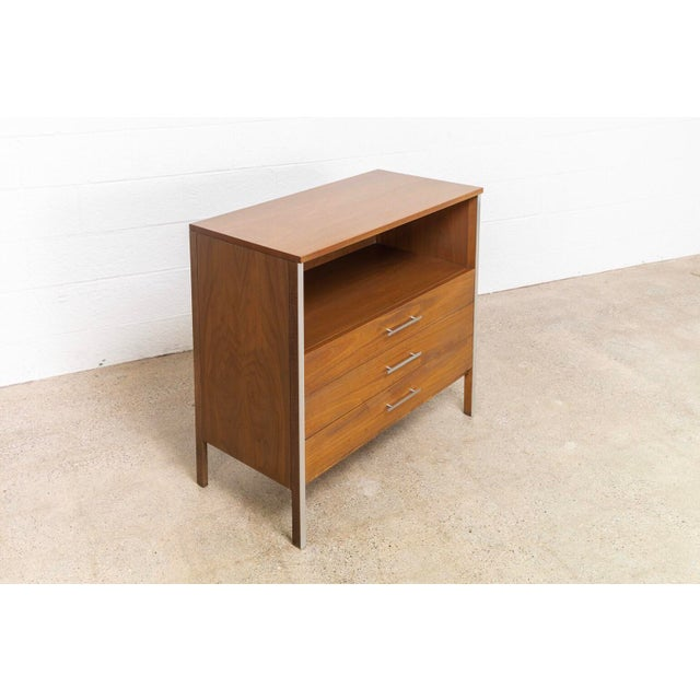 1950s Mid Century Paul McCobb for Calvin Chest of Drawers For Sale - Image 5 of 11