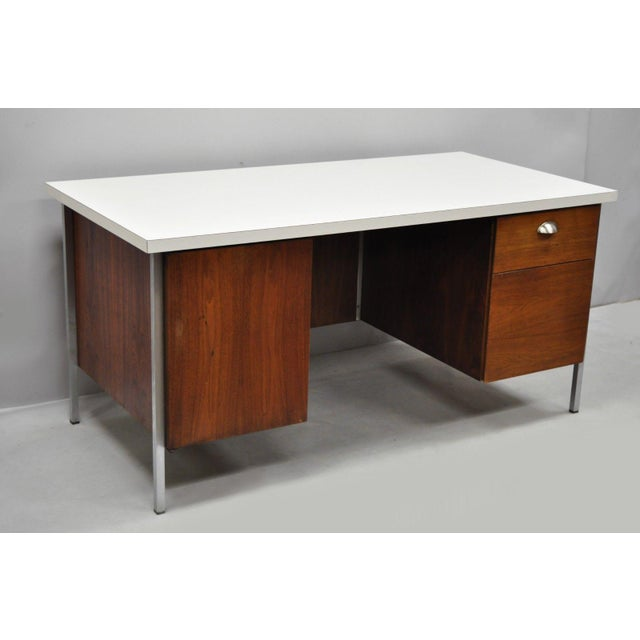 Mid Century Modern Florence Knoll Walnut Executive Desk For Sale - Image 10 of 11