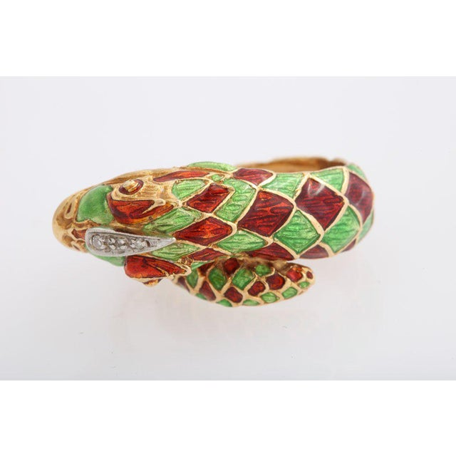 Italian Green and Red Enamel Snake Ring For Sale In Miami - Image 6 of 7
