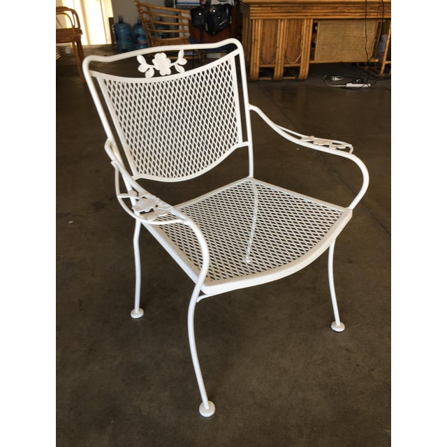 French Woodard Company Mesh Outdoor/Patio Chair With Leaf Pattern Arms - Set of 4 For Sale - Image 3 of 8