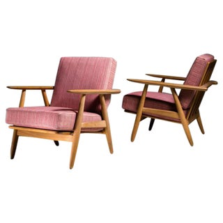 Pair of Hans Wegner GE-240 Chair in Oak, Denmark, 1950s For Sale